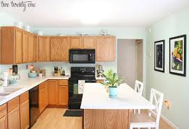 white kitchen walls oak cabinets kitchen cabinet refacing makeover a homeowner s experience