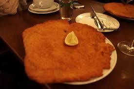 cuisine viennoise l escalope viennoise picture of figlmuller vienna tripadvisor