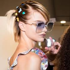 90s hair accessories the 90s hair trend that s back in a big way hair accessories