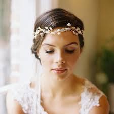 Hochsteckfrisurenen Hochzeit Mit Haarreif by Dezenter Haarschmuck Zur Hochzeit Haarreifen In Blütenform