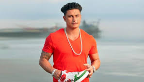 pauly d takes to twitter after surprise baby news mtv uk