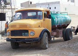 mercedes truck wiki file mercedes water truck in jpg wikimedia commons