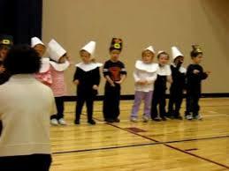 sydney and kasey preschool thanksgiving program