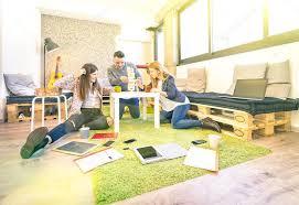 bureau des ressources humaines jeunes employés ouvriers ayant casser commencent bureau concept d