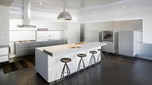 ilot cuisine blanc cuisines cuisine blanche ilot central élégante et intemporelle
