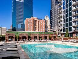 Kansas City Power And Light Building One Light Luxury Apartments Rentals Kansas City Mo Apartments Com