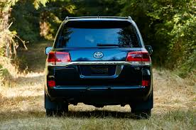 usa spec toyota bluetooth interface 2016 toyota land cruiser first look review motor trend