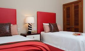 Bedroom Bed Furniture by How To Decorate A Bedroom With Red Walls