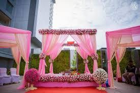 hindu wedding mandap decorations 7 breathtakingly beautiful wedding mandap decor ideas that you