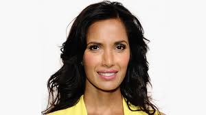 lob haircut pictures padma lakshmi shaggy lob haircut with bangs emmys stylecaster