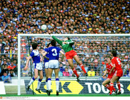 Flagging Liverpool Merseyside Derbies 50 Classic Pictures From The Archive Irish