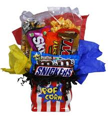 candy gift baskets candy gift basket basket pizzazz