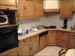 repeindre cuisine en bois renover cuisine bois amazing excellent galerie avec renover cuisine