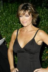 lisa rinna weight off middle section hair lisa rinna hairstyle and the exact cut for it