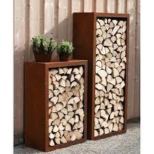 kaminholzregal fã r wohnzimmer kaminholzstander aussen brennholzregal mit gerateschrank auaen