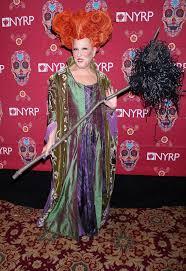 Winifred Sanderson Halloween Costume Bette Midler Dresses Hocus Pocus U0027 Winnie Sanderson