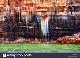 spectacular colors in the sandstone cliffs at pictured rocks