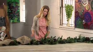 how to decorate christmas garland with ribbon holiday