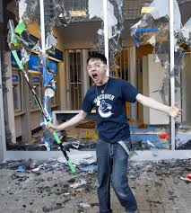 Vancouver Riot Kiss Meme - a history of canuck related memes and running jokes hockeytalkie
