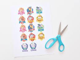 free printable paw patrol badges u0026 custom gift wrap
