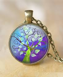art glass necklace pendant images Tree of life jewelry symbolism kaleidoscope effect jpg