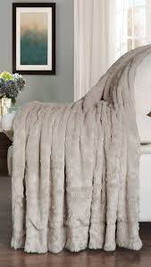 Faux Fur Bed Throw 67 Best Blanket Throws Faux Fur Images On Pinterest Faux Fur