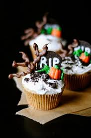 523 best halloween cakes cupcakes and cake pops images on