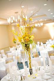 Flower Centerpieces For Wedding - best 25 yellow centerpiece wedding ideas on pinterest yellow