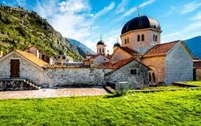 eastern europe tours on the go tours