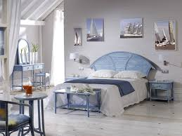 chambre en osier têtes de lit chevets commodes armoires