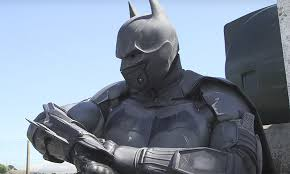 this real life batman suit has 23 functioning gadgets