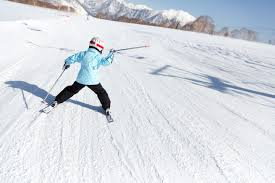 how to find cheap or discounted ski clothes