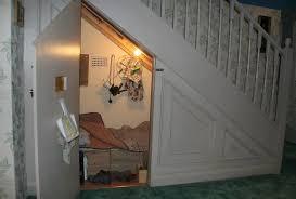 schrank unter treppe bild schrank unter der treppe jpg harry potter lexikon
