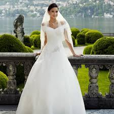 robe de mari e pas cher princesse robes de mariée princesse pas cher instant précieux