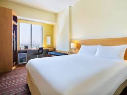hotel in dubai ibis deira city centre near dubai airport