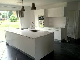 plan de travail cuisine blanc brillant plan de travail stratifié blanc brillant idées décoration intérieure