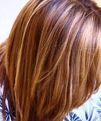 medium lentgh hair with highlights and low lights brown hair with blonde highlights lowlights hair color