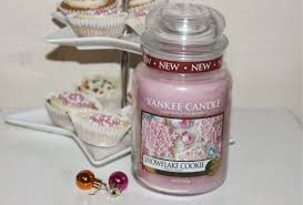 yankee snowflake cookie candle review the sunday