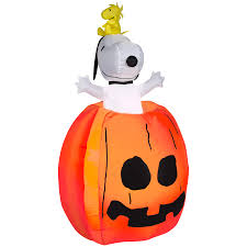 halloween inflateables shop gemmy 4 98 ft animatronic lighted peanuts halloween