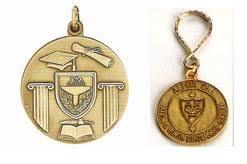 graduation medallion a memorable graduation with diploma decorative medallions