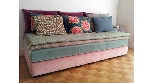 relooker un canapé en cuir comment relooker canapé maison travaux