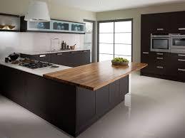 cuisine blanc et noyer qeuls meubles couleur wengé et à quoi les associer 40 idées