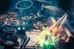 cuisine magique cuisine magique de avec les chaussures et le chapeau du