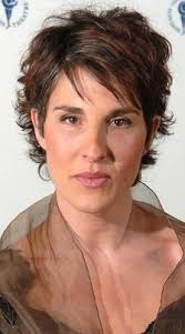 how to achieve salt pepper hair growing grey gracefully tamsin greig shows off stylish salt and