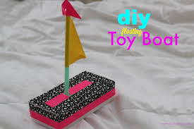 diy toy boat quick fun crafts page 2 of 2 pinkwhen