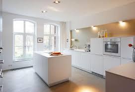 laminat in der küche bulthaup b3 mit alpinweißen laminat fronten küche couchstyle