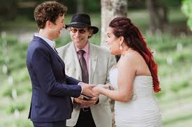how to officiate a wedding how to officiate weddings tips on a friend officiate your