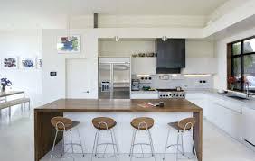 cuisine blanche moderne cuisine blanche et bois cuisine blanche et bois deco design