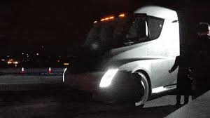 tesla u0027s semi truck looks mighty fast while accelerating