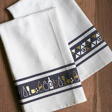 diy s day dish towels lia griffith